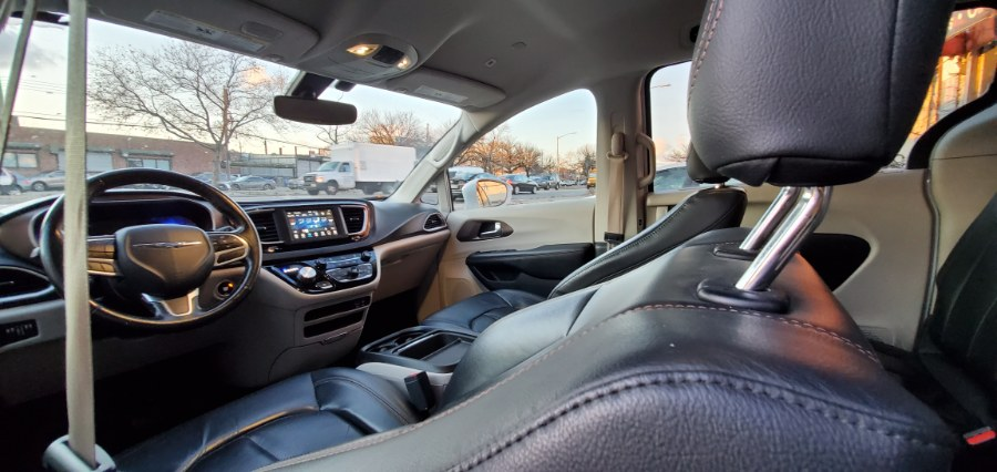 Used Chrysler Pacifica Touring L FWD 2019 | Rubber Bros Auto World. Brooklyn, New York