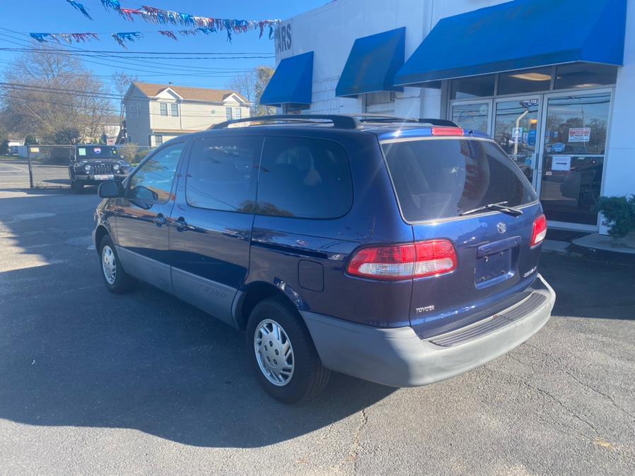 Used Toyota Sienna  2002 | Rite Cars, Inc. Lindenhurst, New York