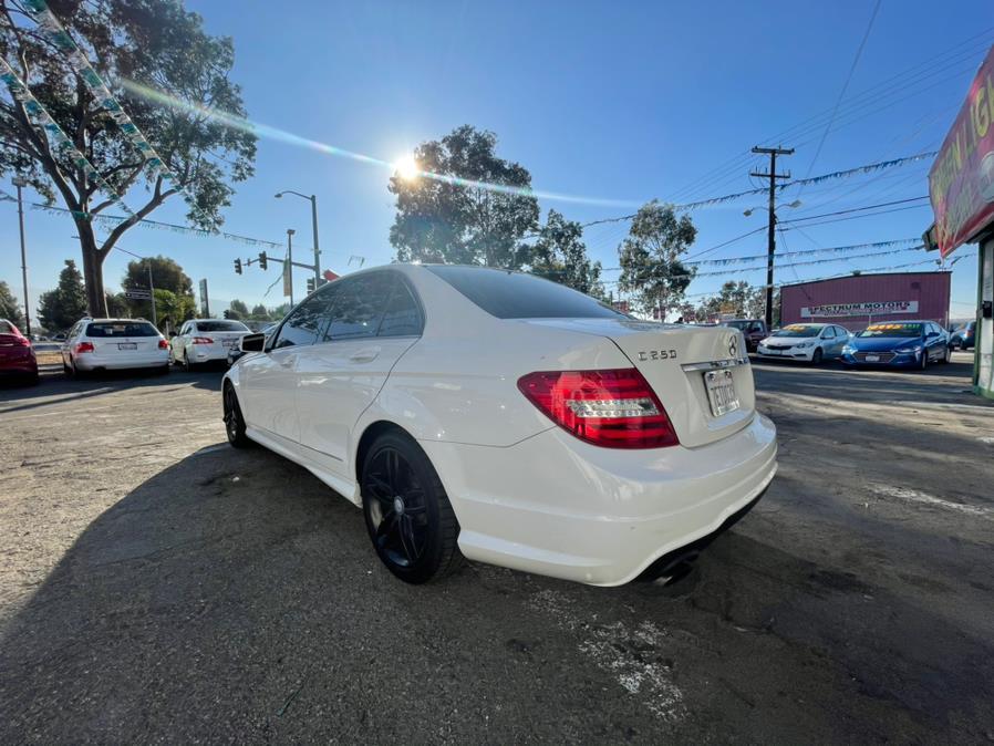 Used Mercedes-Benz C-Class 4dr Sdn C 250 Luxury RWD 2014 | Green Light Auto. Corona, California