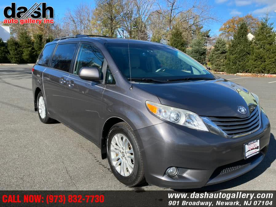 Used Toyota Sienna 5dr 7-Pass Van V6 XLE AAS FWD (Natl) 2013 | Dash Auto Gallery Inc.. Newark, New Jersey
