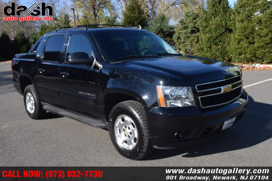 Used Chevrolet Avalanche 4WD Crew Cab LS 2013 | Dash Auto Gallery Inc.. Newark, New Jersey