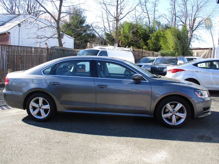 Used Volkswagen Passat 4dr Sdn 2.5L Auto SE w/Sunroof PZEV 2013 | New Gen Auto Group. West Babylon, New York