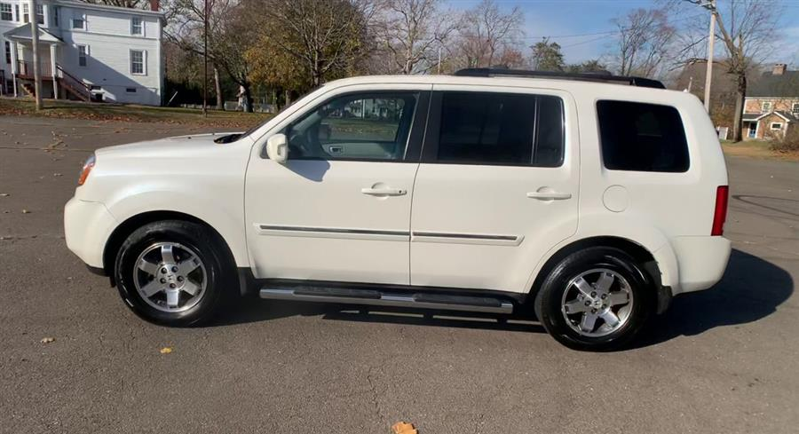 Used Honda Pilot 4WD 4dr Touring w/RES & Navi 2011 | Wiz Leasing Inc. Stratford, Connecticut