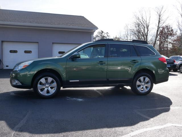 Used Subaru Outback 3.6R Limited 2011 | Canton Auto Exchange. Canton, Connecticut