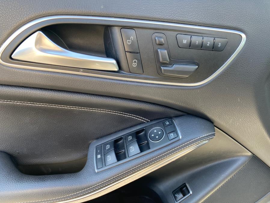 Used Mercedes-Benz GLA GLA 250 4MATIC SUV 2017   Peak Automotive Inc.. Bayshore, New York
