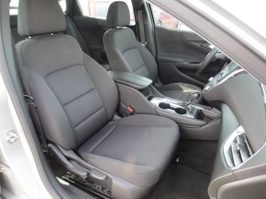 Used Chevrolet Malibu 4dr Sdn LT w/1LT 2018 | Auto Max Of Santa Ana. Santa Ana, California