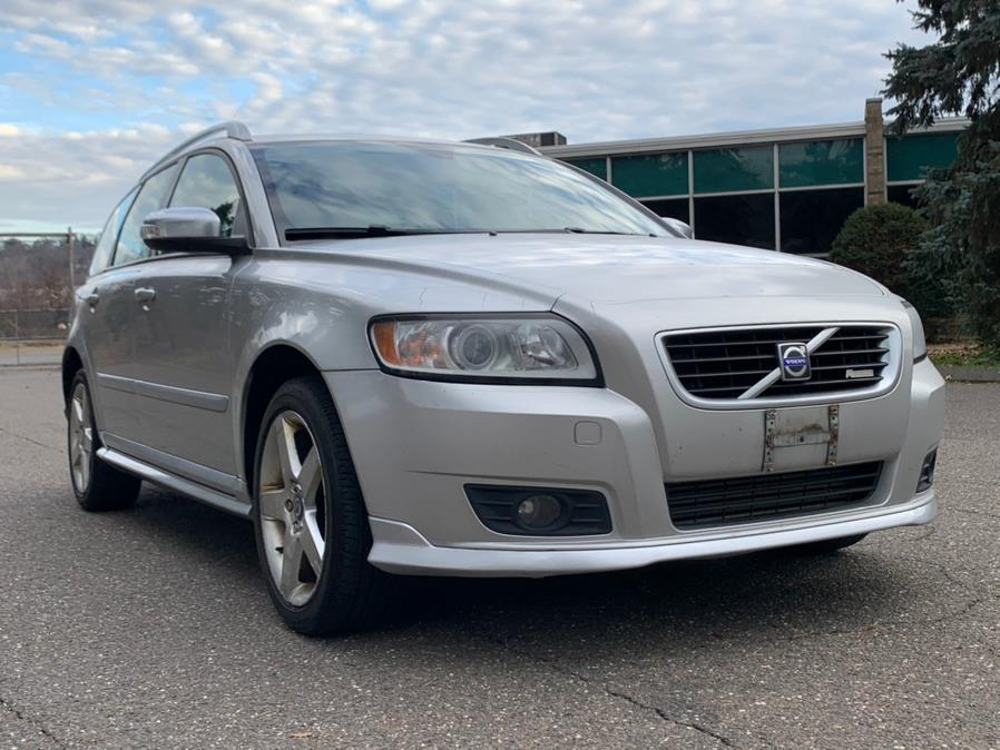 Used Volvo V50 4dr Wgn 2.5T R-Design AWD 2009 | Platinum Auto Care. Waterbury, Connecticut