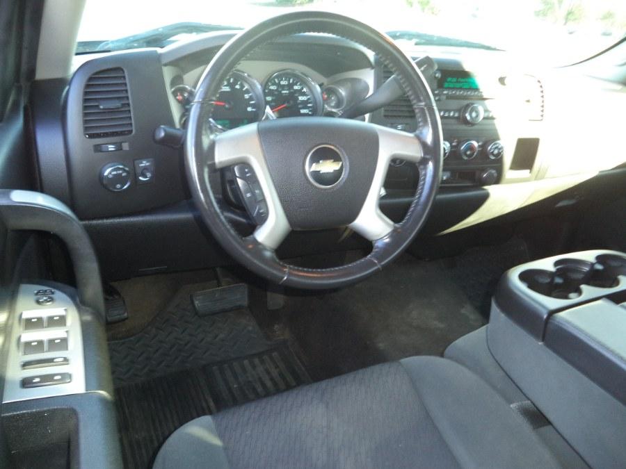 "Used Chevrolet Silverado 1500 4WD Ext Cab 143.5"" LT 2009 | International Motorcars llc. Berlin, Connecticut"