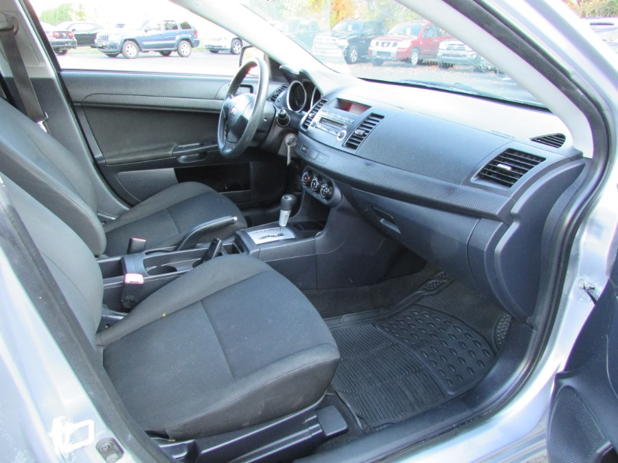 Used Mitsubishi Lancer 4dr Sdn CVT DE 2009 | United Auto Sales of E Windsor, Inc. East Windsor, Connecticut