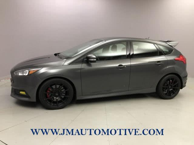 Used 2017 Ford Focus in Naugatuck, Connecticut | J&M Automotive Sls&Svc LLC. Naugatuck, Connecticut