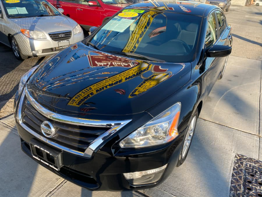 Used 2013 Nissan Altima in Middle Village, New York | Middle Village Motors . Middle Village, New York