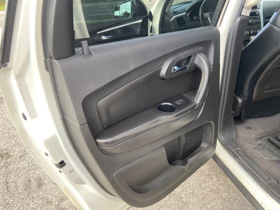 Used Chevrolet Traverse FWD 4dr LT w/1LT 2011 | 2 Car Pros. Orlando, Florida