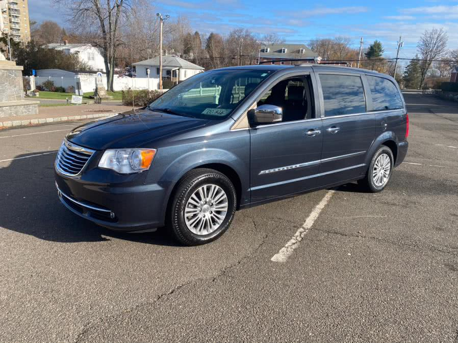 Used 2013 Chrysler Town & Country in Bridgeport, Connecticut | CT Auto. Bridgeport, Connecticut