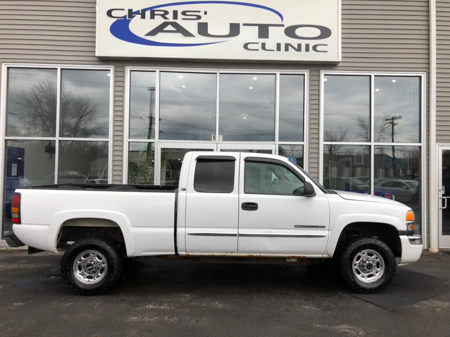 Used 2006 GMC Sierra 2500HD in Plainville, Connecticut | Chris's Auto Clinic. Plainville, Connecticut