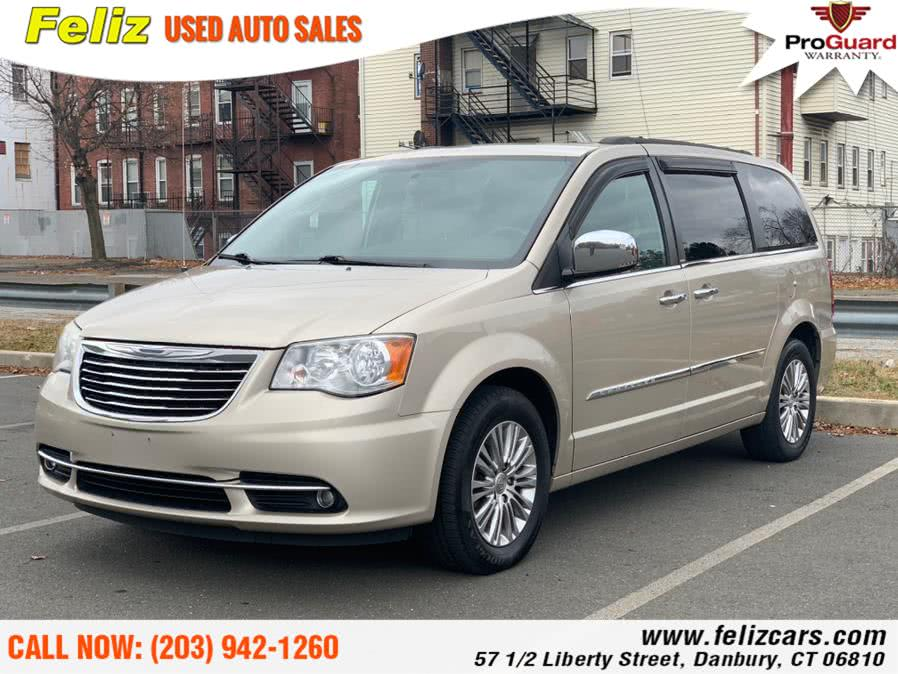 Used 2013 Chrysler Town & Country in Danbury, Connecticut | Feliz Used Auto Sales. Danbury, Connecticut