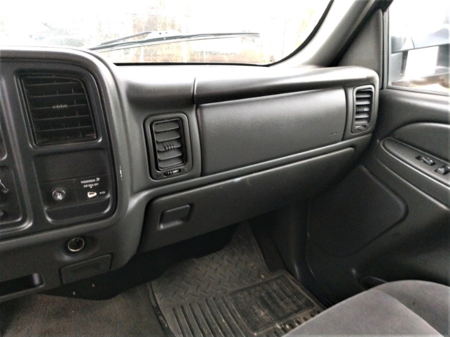 "Used GMC SIERRA 2500HD LONG BED 133"" WB 4WD SLE1 2006 | Warwick Auto Sales Inc. COPIAGUE, New York"