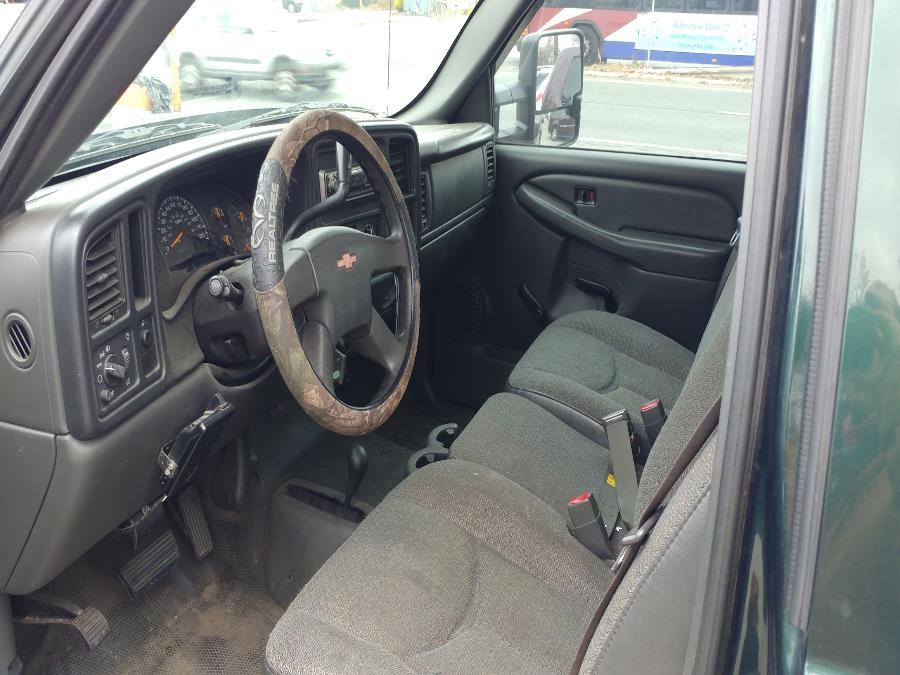 "Used Chevrolet Silverado 2500HD Ext Cab 157.5"" WB 4WD Work Truck 2005 | Matts Auto Mall LLC. Chicopee, Massachusetts"