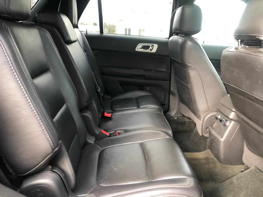 Used Ford Explorer 4WD 4dr XLT 2013 | Malkoon Motors. Agawam, Massachusetts