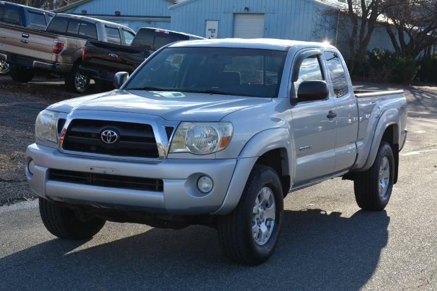 Used 2006 Toyota Tacoma in Ashland , Massachusetts | New Beginning Auto Service Inc . Ashland , Massachusetts