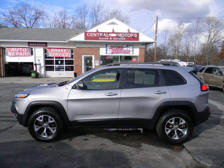 Used Jeep Cherokee 4WD 4dr Trailhawk 2014 | M&M Vehicles Inc dba Central Motors. Southborough, Massachusetts