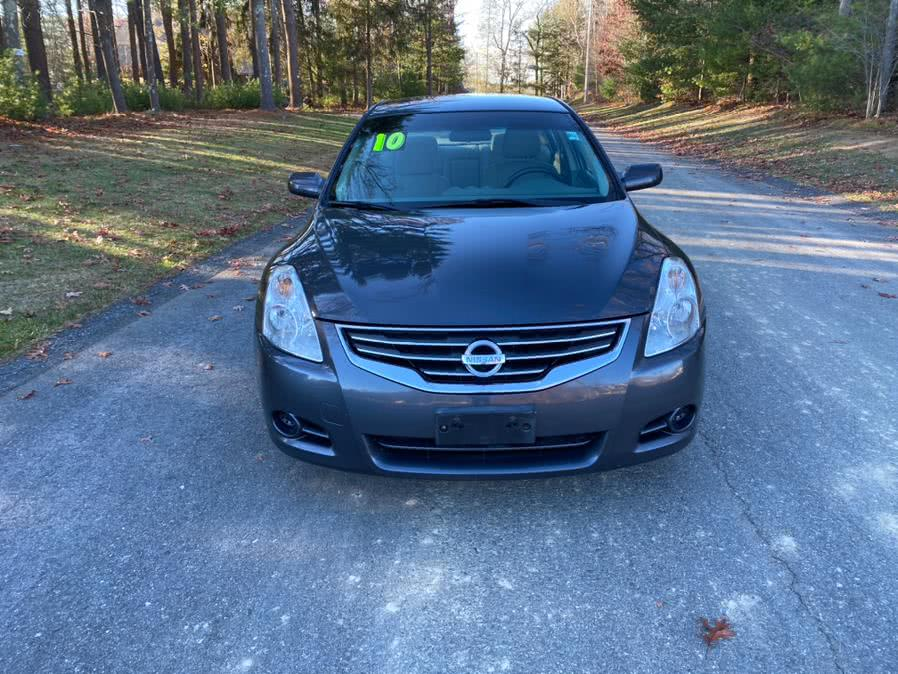Used 2010 Nissan Altima in Swansea, Massachusetts | Gas On The Run. Swansea, Massachusetts