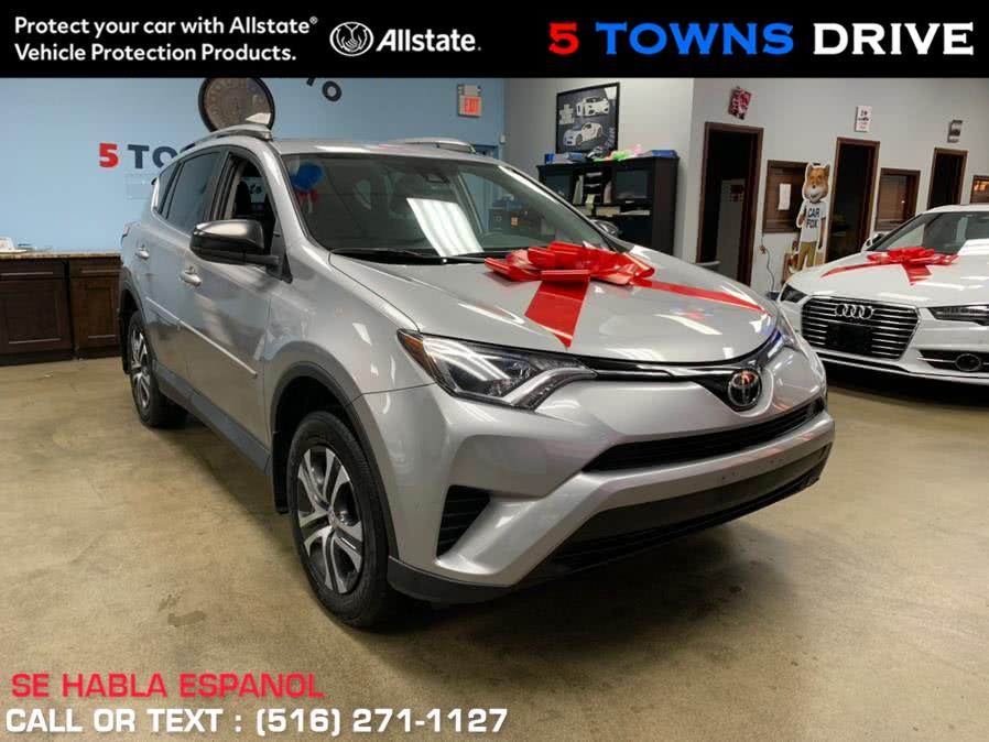Used 2017 Toyota RAV4 in Inwood, New York | 5 Towns Drive. Inwood, New York