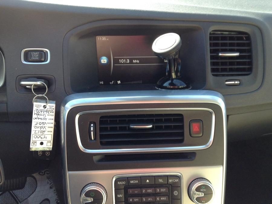 Used Volvo V60 T5 FWD Premier 2017 | Eurocars Plus. Groton, Connecticut