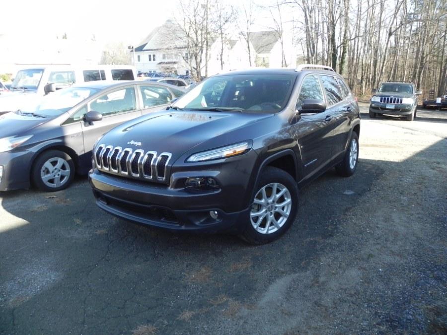 Used Jeep Cherokee Latitude 4x4 2017 | Marty Motors Inc. Ridgefield, Connecticut