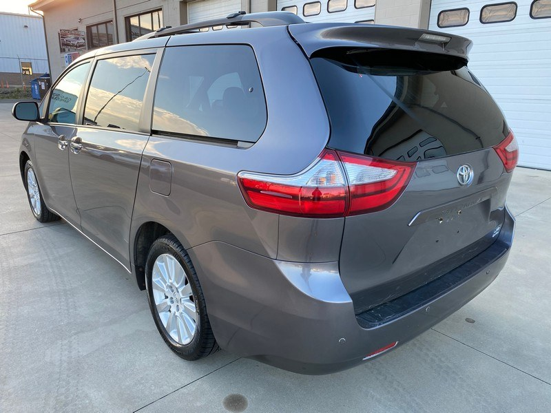 Used Toyota Sienna 5dr 7-Pass Van XLE AWD (Natl) 2015 | Union Street Auto Sales. West Springfield, Massachusetts