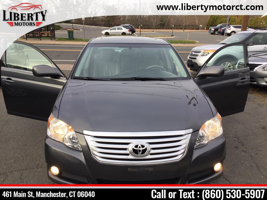 Used Toyota Avalon 4dr Sdn XLS (Natl) 2010 | Liberty Motors. Manchester, Connecticut