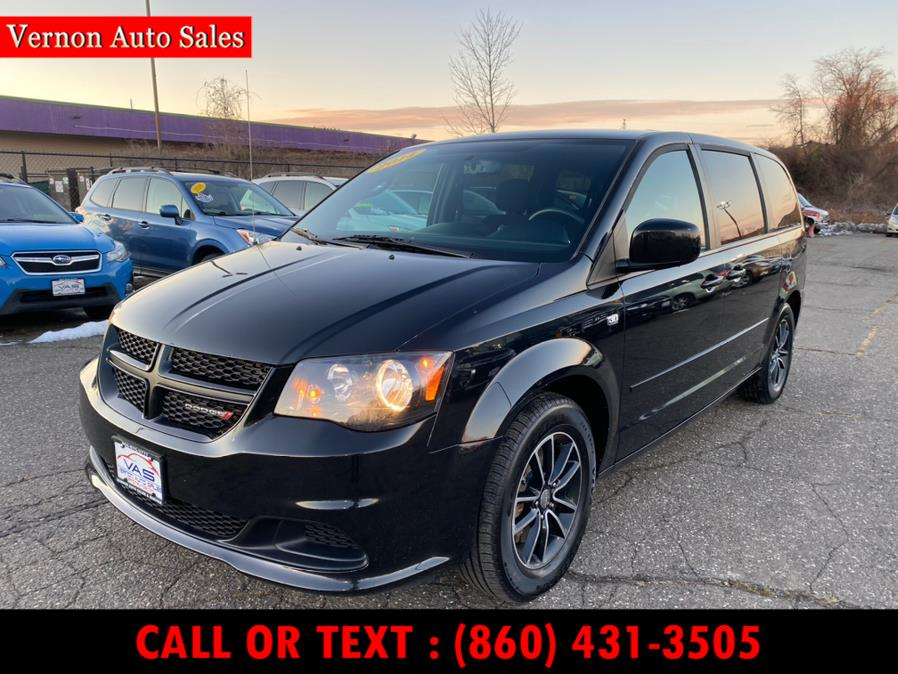 Used 2014 Dodge Grand Caravan in Manchester, Connecticut | Vernon Auto Sale & Service. Manchester, Connecticut