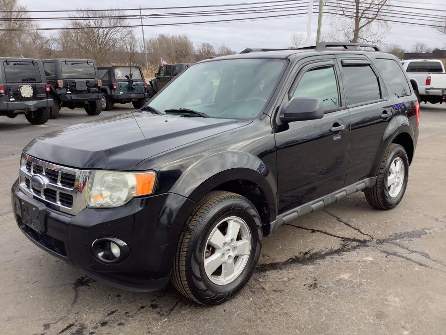 Used Ford Escape FWD 4dr XLT 2010 | Marsh Auto Sales LLC. Ortonville, Michigan