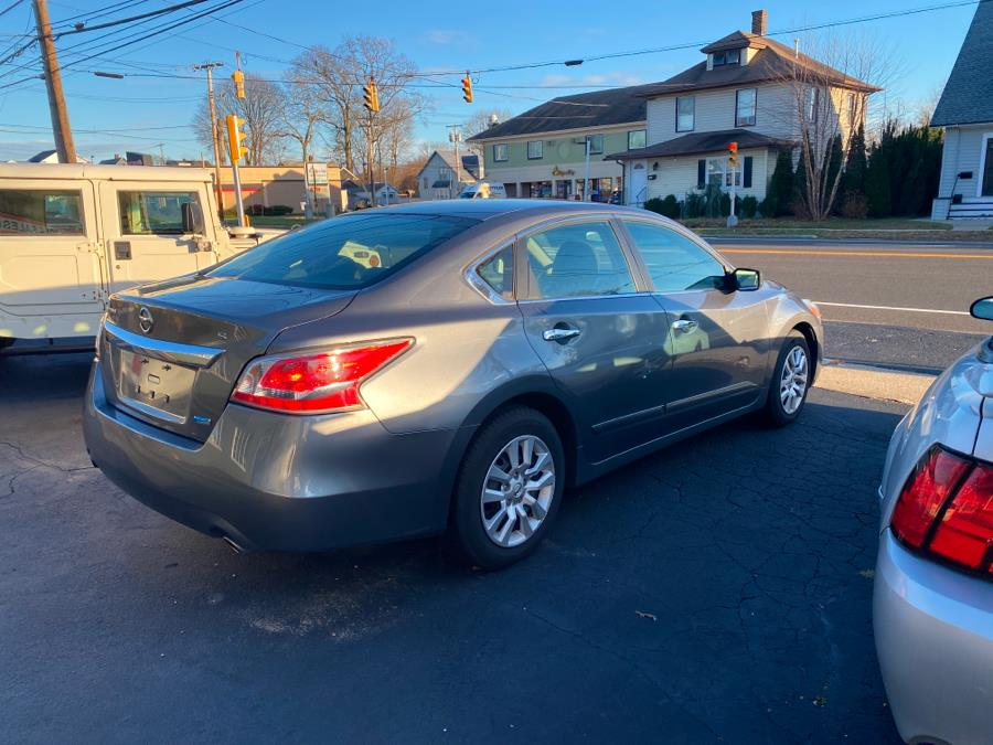 Used Nissan Altima 4dr Sdn I4 2.5 S 2014 | Village Auto Sales. Milford, Connecticut