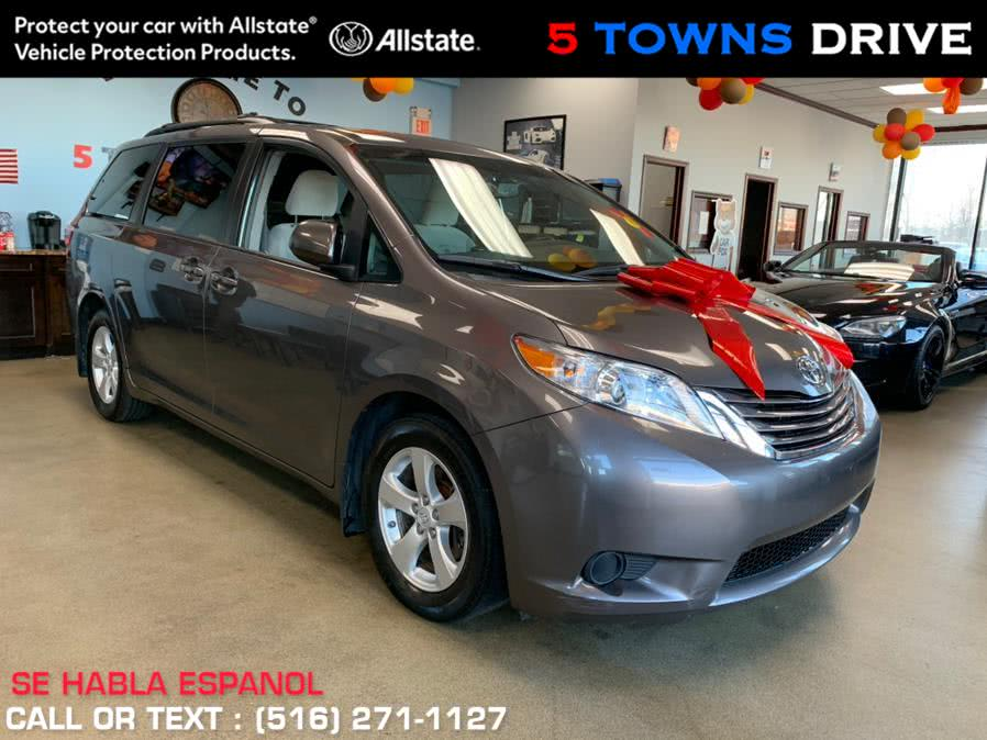 New Toyota Sienna LE Auto Access Seat FWD 7-Passenger (Natl) 2017 | 5 Towns Drive. Inwood, New York