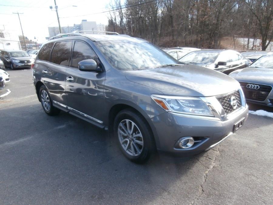 Used 2015 Nissan Pathfinder in Waterbury, Connecticut | Jim Juliani Motors. Waterbury, Connecticut
