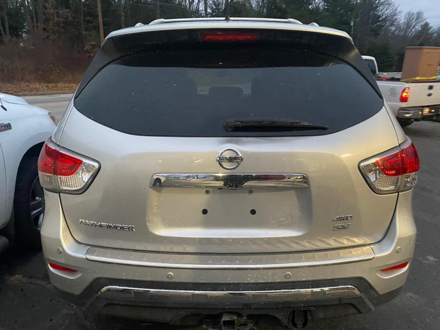 Used Nissan Pathfinder 4WD 4dr SV 2014 | VIP on 6 LLC. Hampton, Connecticut