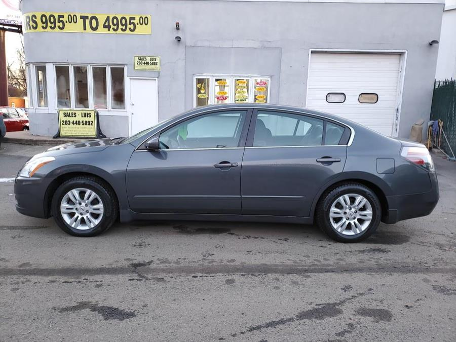 Used 2011 Nissan Altima in Meriden, Connecticut | Cos Central Auto. Meriden, Connecticut