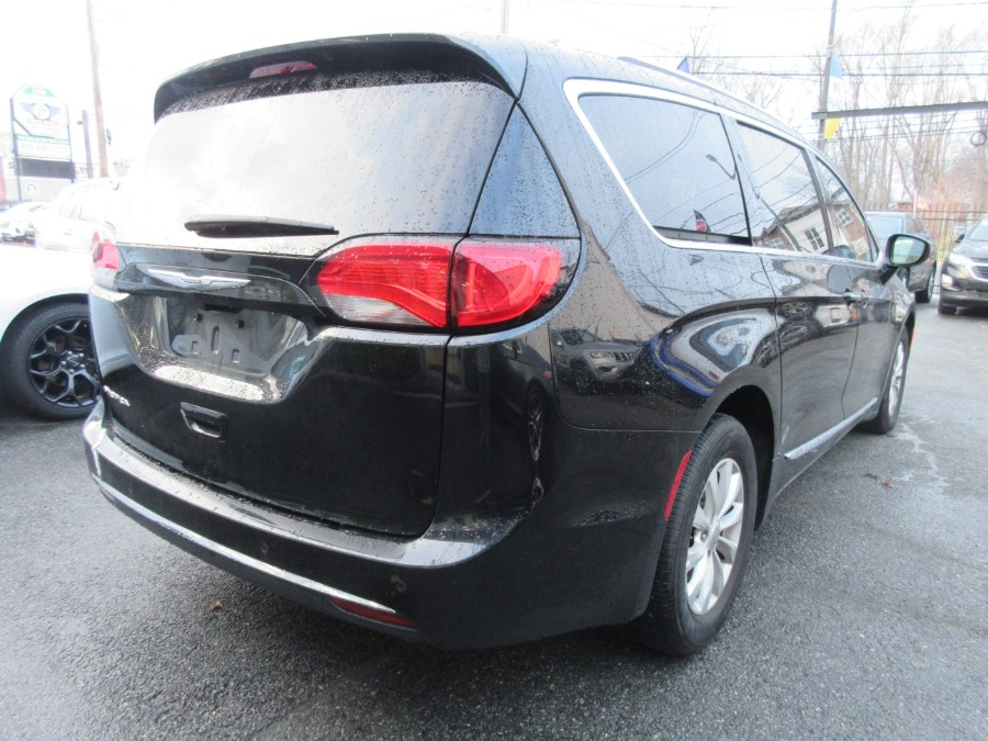 Used Chrysler Pacifica Touring L FWD 2019   Route 27 Auto Mall. Linden, New Jersey