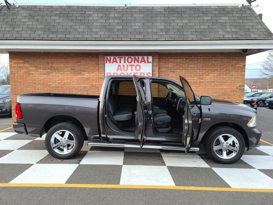 Used Ram 1500 Express 4x4 Crew Cab 2017 | National Auto Brokers, Inc.. Waterbury, Connecticut