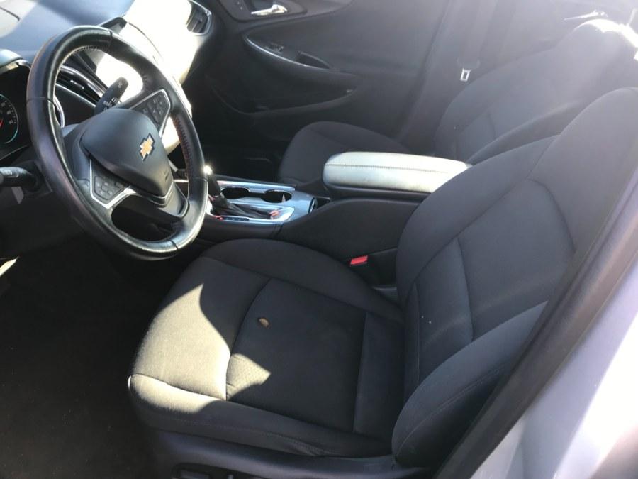 Used Chevrolet Malibu 4dr Sdn LT w/1LT 2017 | 5M Motor Corp. Hamden, Connecticut