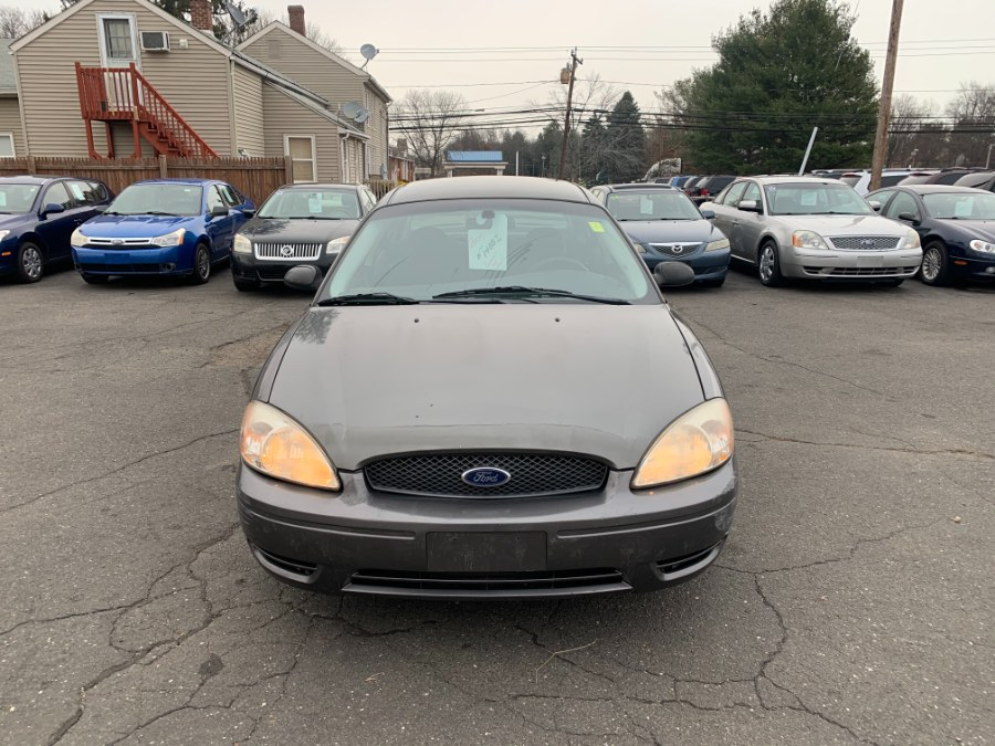 Used Ford Taurus 4dr Sdn SE 2004 | CT Car Co LLC. East Windsor, Connecticut