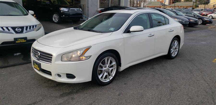 Used Nissan Maxima 4dr Sdn V6 CVT 3.5 S 2010 | Victoria Preowned Autos Inc. Little Ferry, New Jersey