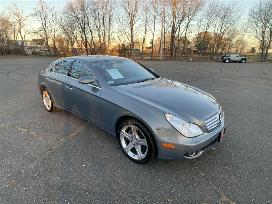 Used Mercedes-Benz CLS-Class 4dr Sdn 5.5L 2007 | Wiz Leasing Inc. Stratford, Connecticut