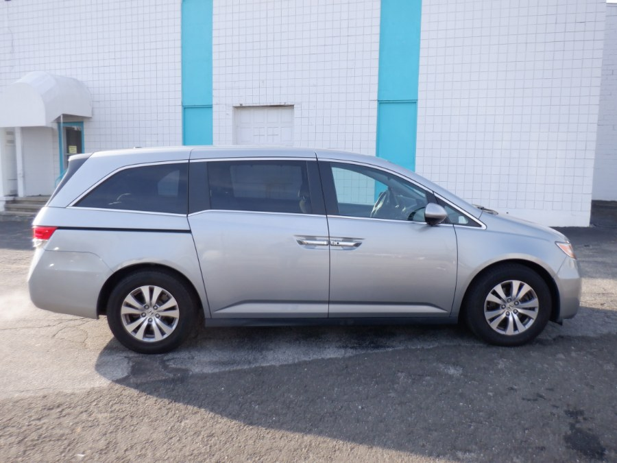 Used 2017 Honda Odyssey in Milford, Connecticut | Dealertown Auto Wholesalers. Milford, Connecticut