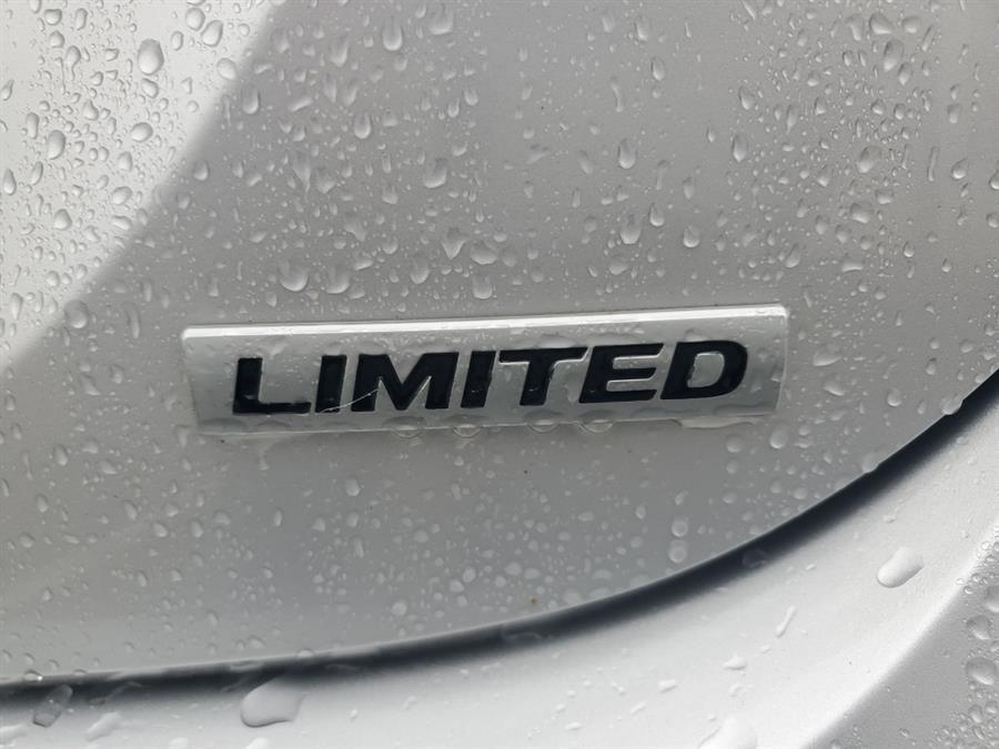 Used Hyundai Elantra 4dr Sdn Auto Limited 2012 | Absolute Motors Inc. Springfield, Massachusetts