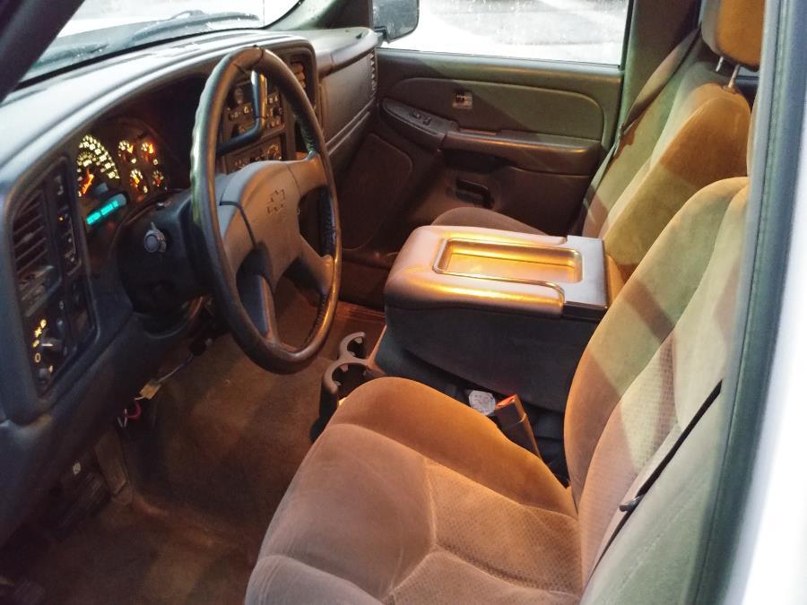 "Used Chevrolet Silverado 2500HD Crew Cab 153"" WB 4WD LT 2005 | Matts Auto Mall LLC. Chicopee, Massachusetts"