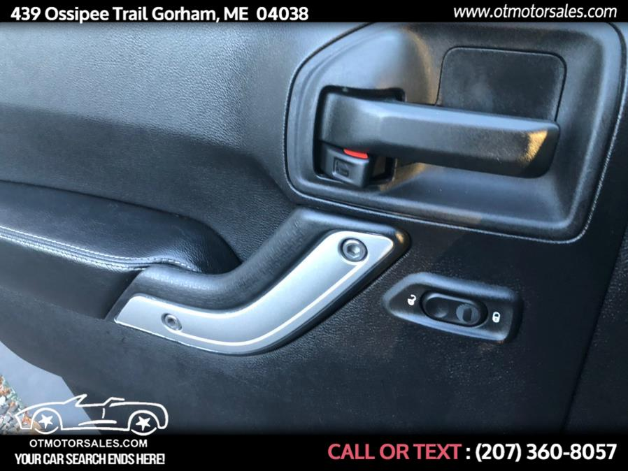 Used Jeep Wrangler Unlimited 4WD 4dr Sport 2015 | Ossipee Trail Motor Sales. Gorham, Maine