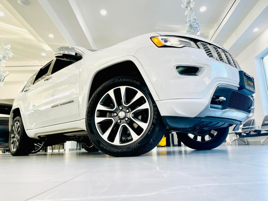 Used Jeep Grand Cherokee Overland 4x4 2017 | Luxury Motor Club. Franklin Square, New York