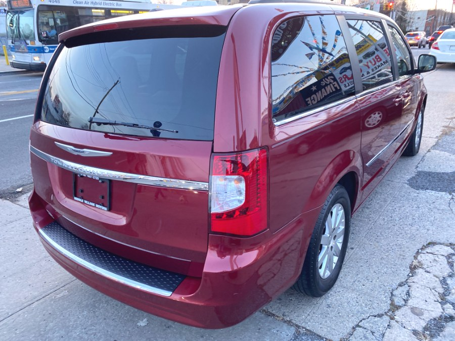 Used Chrysler Town & Country 4dr Wgn Touring 2013 | Middle Village Motors . Middle Village, New York