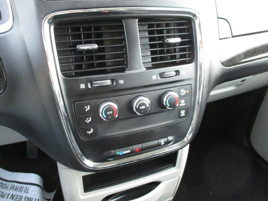Used Dodge Grand Caravan 4dr Wgn SE 2014   New Gen Auto Group. West Babylon, New York